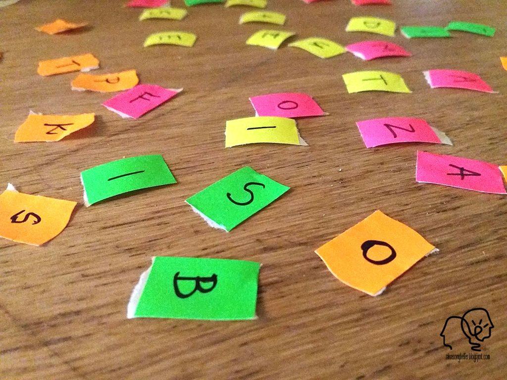kolorowe litery